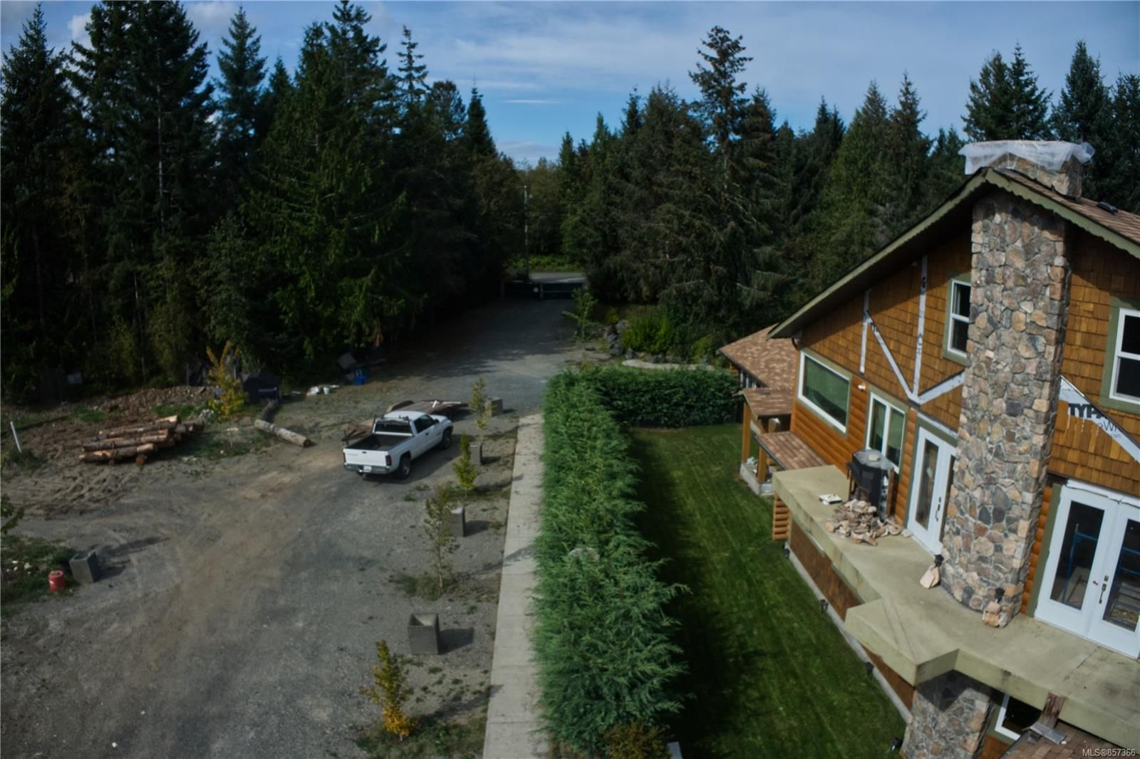 Photo 3: Photos: 1747 Nahmint Rd in : PQ Qualicum North Mixed Use for sale (Parksville/Qualicum)  : MLS®# 857366