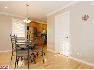 """Photo 4: 5 14921 THRIFT Avenue: White Rock Townhouse for sale in """"NICOLE PLACE"""" (South Surrey White Rock)  : MLS®# F1025156"""
