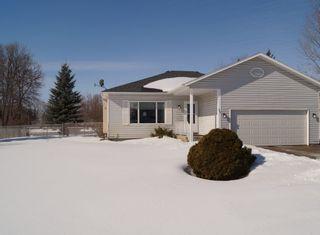 Photo 2: 85 Oakbank Drive in Oakbank: Single Family Detached for sale : MLS®# 1602936