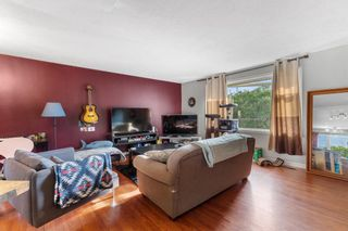 Photo 4: 1418 41 Street SW in Calgary: Rosscarrock Detached for sale : MLS®# A1130231