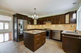 """Photo 5: 6165 NORTHPARK Place in Surrey: Panorama Ridge House for sale in """"Boundary Park"""" : MLS®# R2381145"""