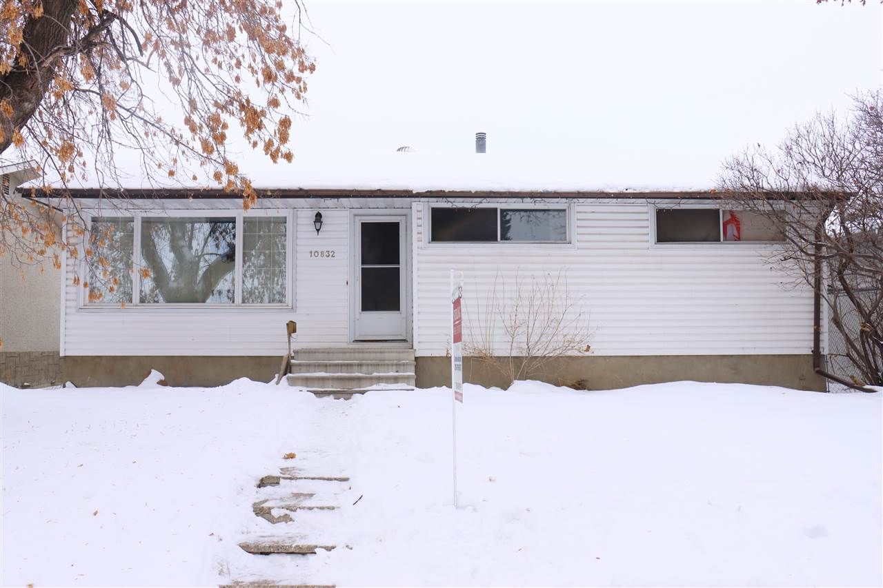 Main Photo: 10832 163 Street in Edmonton: Zone 21 House for sale : MLS®# E4221713