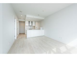 """Photo 6: 5101 4670 ASSEMBLY Way in Burnaby: Metrotown Condo for sale in """"Station Square"""" (Burnaby South)  : MLS®# R2351186"""