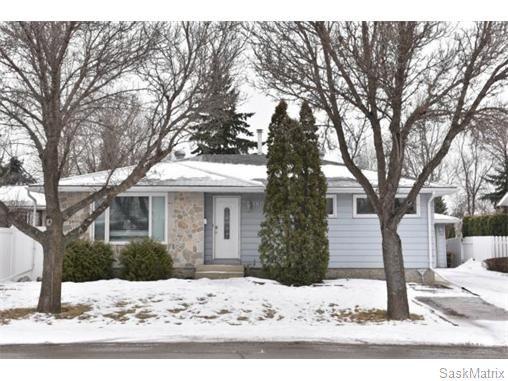 Main Photo: 1809 12TH Avenue North in Regina: Uplands Single Family Dwelling for sale (Regina Area 01)  : MLS®# 562305