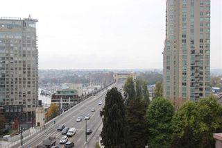 """Photo 2: 901 1003 PACIFIC Street in Vancouver: West End VW Condo for sale in """"SEASTAR"""" (Vancouver West)  : MLS®# R2353861"""