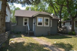 Photo 2: 329 P Avenue South in Saskatoon: Pleasant Hill Residential for sale : MLS®# SK843051