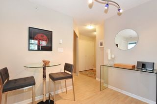 """Photo 10: 402 501 PACIFIC Street in Vancouver: Downtown VW Condo for sale in """"THE 501"""" (Vancouver West)  : MLS®# R2212611"""