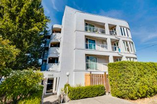 """Photo 2: 302 3505 W BROADWAY in Vancouver: Kitsilano Condo for sale in """"The Collingwood"""" (Vancouver West)  : MLS®# R2617748"""