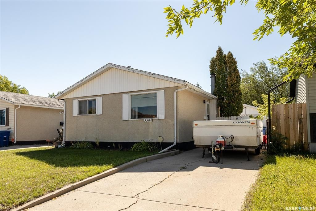 Main Photo: 3343 33rd Street West in Saskatoon: Confederation Park Residential for sale : MLS®# SK870791
