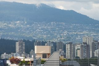 """Photo 26: 701 1736 W 10TH Avenue in Vancouver: Fairview VW Condo for sale in """"MONTE CARLO"""" (Vancouver West)  : MLS®# R2268278"""