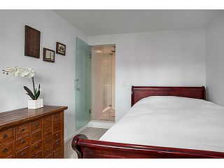 """Photo 3: A&B 120 W 17TH Street in North Vancouver: Central Lonsdale Condo for sale in """"THE OLD COLONOY"""" : MLS®# V1035638"""