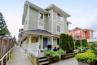 "Photo 3: 17 339 E 33RD Avenue in Vancouver: Main Townhouse for sale in ""Walk to Main"" (Vancouver East)  : MLS®# R2374151"