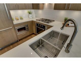 "Photo 4: 300 2432 HAYWOOD Avenue in West Vancouver: Dundarave Condo for sale in ""THE HAYWOOD"" : MLS®# V1110877"