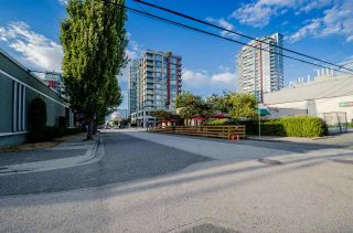 Photo 17: 2016 ONTARIO Street in Vancouver: Mount Pleasant VE House for sale (Vancouver East)  : MLS®# R2487097