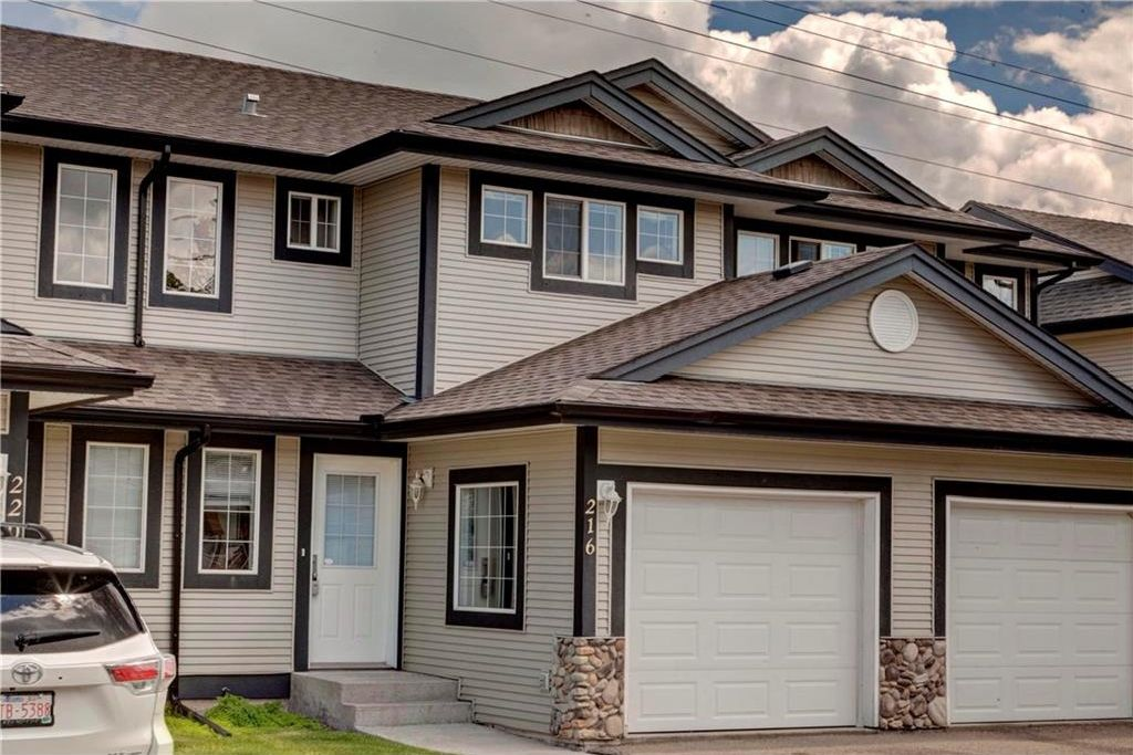 Main Photo: 216 STONEMERE Place: Chestermere House for sale : MLS®# C4124708