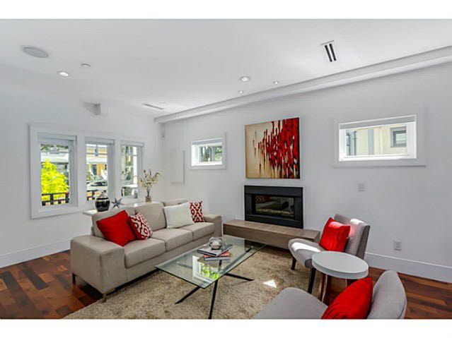 Main Photo: 1 138 W 13TH AVENUE in : Mount Pleasant VW Townhouse for sale : MLS®# V1074108