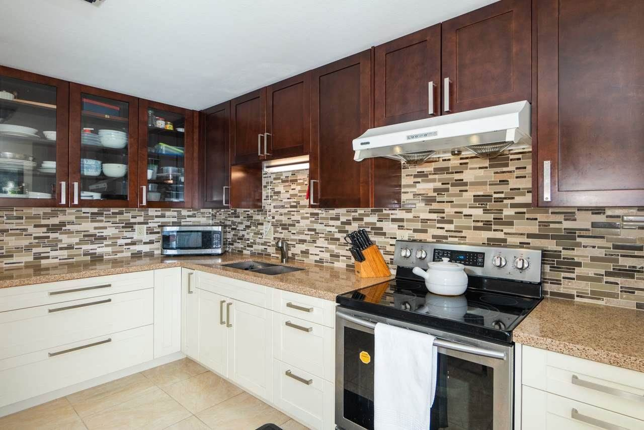 """Main Photo: 30 2352 PITT RIVER Road in Port Coquitlam: Mary Hill Townhouse for sale in """"SHAUGNESSY ESTATE"""" : MLS®# R2583778"""