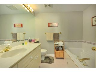 """Photo 8: # 605 140 E 14TH ST in North Vancouver: Central Lonsdale Condo for sale in """"SPRINGHILL PLACE"""" : MLS®# V861945"""
