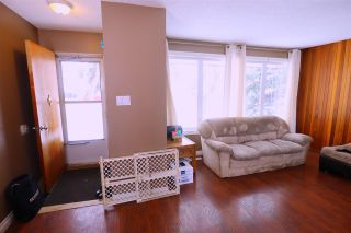 Photo 2: 10832 163 Street in Edmonton: Zone 21 House for sale : MLS®# E4221713