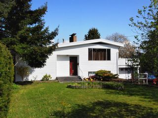 Photo 1: 1390 Finlay Street in White Rock: Home for sale : MLS®# F2833242