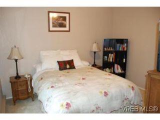 Photo 10: 35 610 McKenzie Ave in VICTORIA: SW Glanford Row/Townhouse for sale (Saanich West)  : MLS®# 531206
