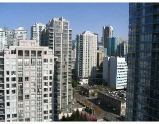 """Photo 10: 2509 939 EXPO Boulevard in Vancouver: Downtown VW Condo for sale in """"MAX 2"""" (Vancouver West)  : MLS®# V700944"""