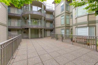 """Photo 18: 207 888 W 13TH Avenue in Vancouver: Fairview VW Condo for sale in """"CASABLANCA"""" (Vancouver West)  : MLS®# R2485029"""