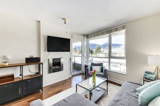 "Photo 3: 702 160 W 3RD Street in North Vancouver: Lower Lonsdale Condo for sale in ""ENVY"" : MLS®# R2542885"