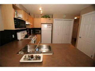 Photo 6: 46 102 CANOE Square: Airdrie Townhouse for sale : MLS®# C3452941
