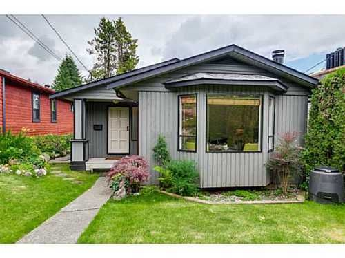 Main Photo: 3846 MOUNTAIN Highway in North Vancouver: Home for sale : MLS®# V1071128