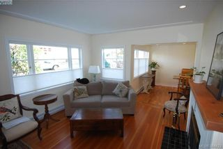 Photo 5: 4012 N Raymond St in VICTORIA: SW Glanford House for sale (Saanich West)  : MLS®# 772693