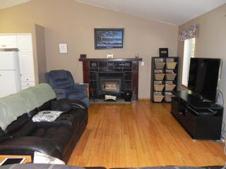 Photo 9: 63 Thomas Cove: Lakeshore Heights Residential for sale (R27)