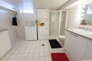 Photo 36: 304 Bate Crescent in Saskatoon: Grosvenor Park Residential for sale : MLS®# SK724443