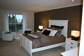 Photo 8: 15821 Columbia Avenue in White Rock: Home for sale : MLS®# F2833600