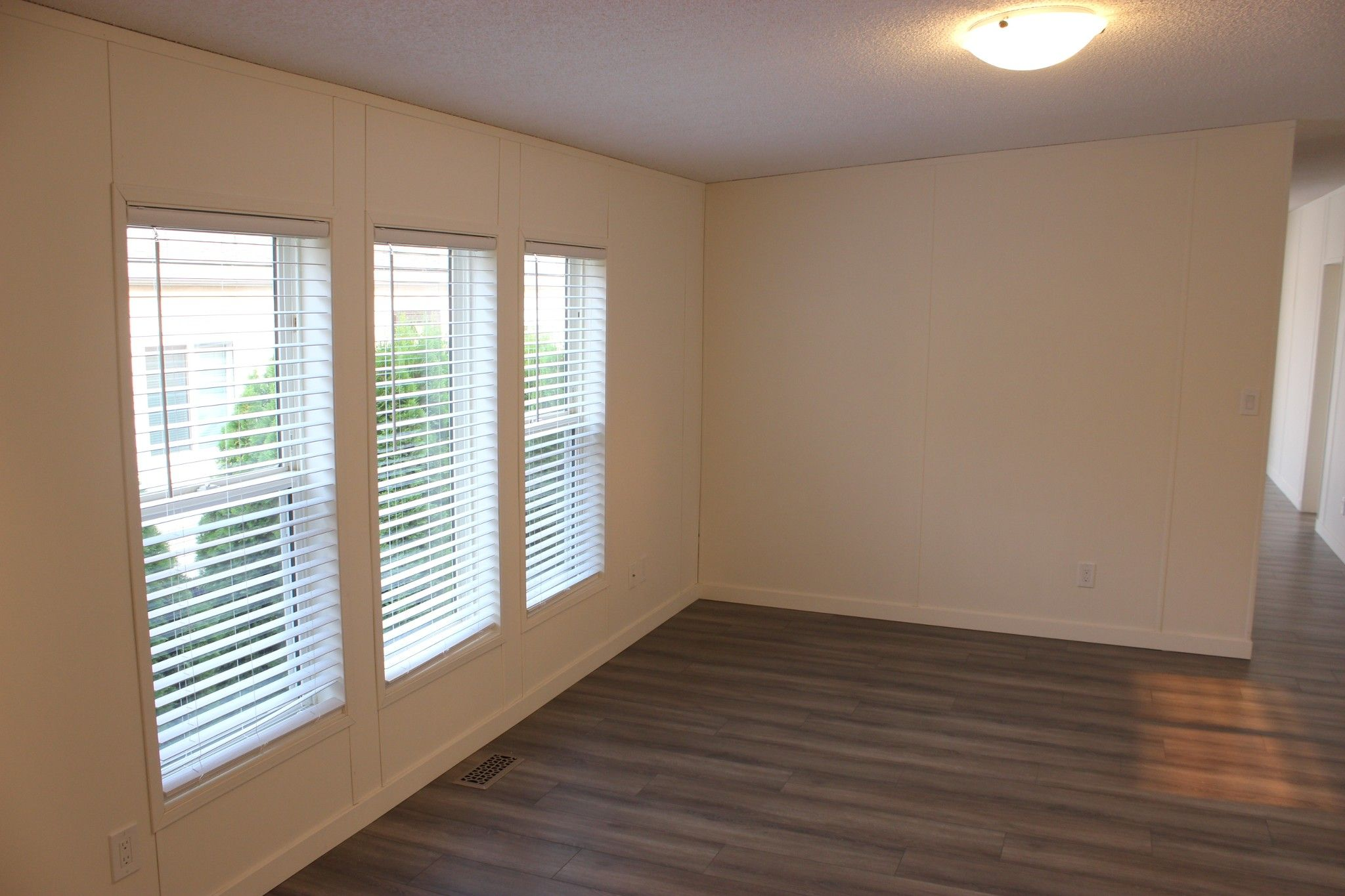Photo 4: Photos: 22 3099 E Shuswap Road in Kamloops: South Thompson Valley Manufactured Home for sale : MLS®# 147827
