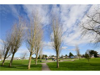 """Photo 6: 6060 GOLDSMITH Drive in Richmond: Woodwards House for sale in """"WOODWARDS"""" : MLS®# V1112876"""