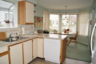 """Photo 7: 3 9251 122 Street in Surrey: Queen Mary Park Surrey Townhouse for sale in """"Kensington Gate"""" : MLS®# R2142201"""