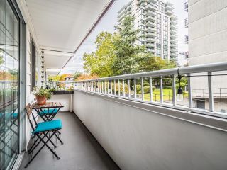 """Photo 18: 208 707 EIGHTH Street in New Westminster: Uptown NW Condo for sale in """"THE DIPLOMAT"""" : MLS®# R2625783"""