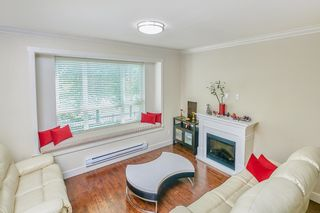 """Photo 4: 8 9077 150 Street in Surrey: Bear Creek Green Timbers Townhouse for sale in """"Crystal"""" : MLS®# R2585990"""