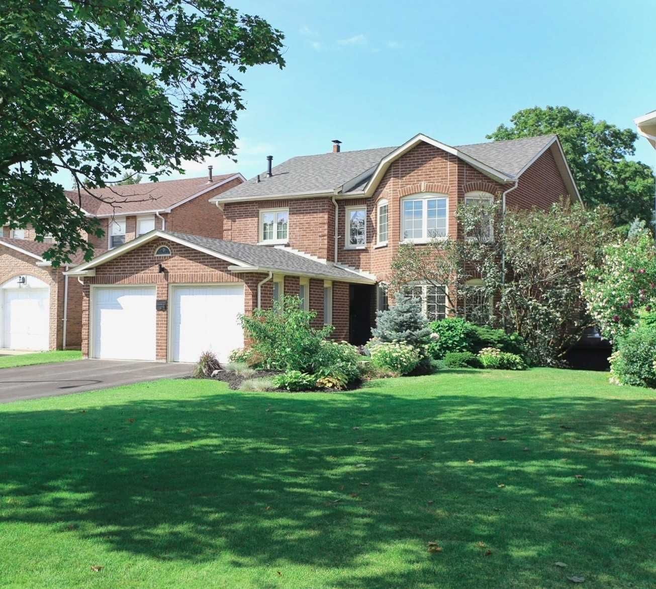 Main Photo: 24 Resolute Crescent in Whitby: Lynde Creek House (2-Storey) for sale : MLS®# E4560078