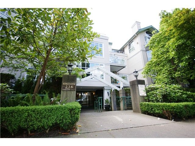 "Main Photo: 203 228 E 18TH Avenue in Vancouver: Main Condo for sale in ""The Newport"" (Vancouver East)  : MLS®# V1065528"
