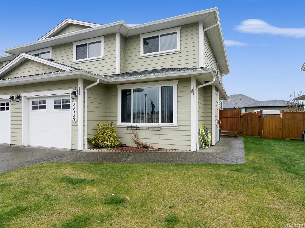 Main Photo: A 3638 TYEE DRIVE in CAMPBELL RIVER: CR Willow Point Half Duplex for sale (Campbell River)  : MLS®# 835593