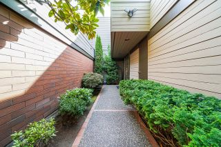 """Photo 4: 6590 PINEHURST Drive in Vancouver: South Cambie Townhouse for sale in """"Langara Estates"""" (Vancouver West)  : MLS®# R2617175"""
