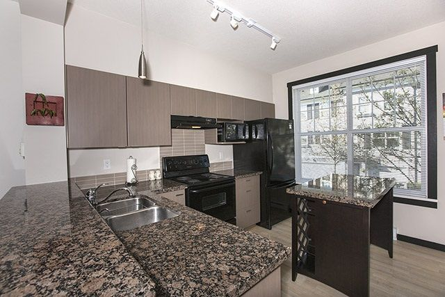 """Photo 3: Photos: 39 15075 60 Avenue in Surrey: Sullivan Station Townhouse for sale in """"NATURE'S WALK"""" : MLS®# R2052983"""
