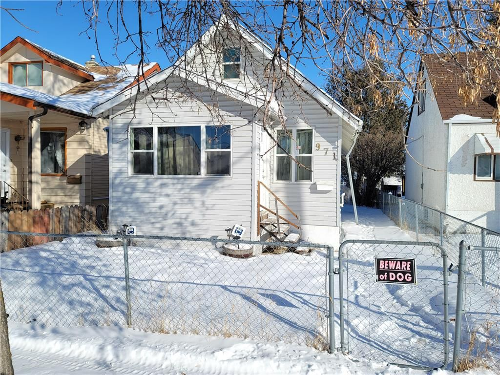 Main Photo: 971 College Avenue in Winnipeg: North End Residential for sale (4B)  : MLS®# 202103158