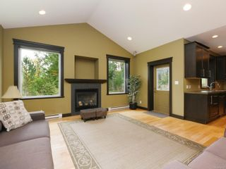 Photo 2: 3076 Sarah Dr in : Sk Otter Point House for sale (Sooke)  : MLS®# 858419