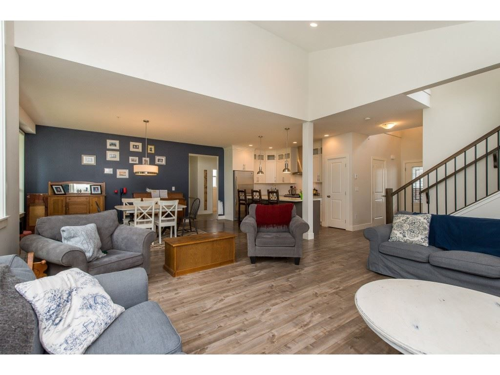 Photo 9: Photos: 50323 SIENNA Avenue in Chilliwack: Eastern Hillsides House for sale : MLS®# R2370269