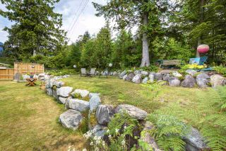 """Photo 31: 41424 DRYDEN Road in Squamish: Brackendale House for sale in """"BRACKEN ARMS"""" : MLS®# R2561228"""