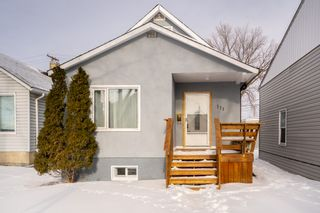 Photo 1: 111 West Melrose Avenue in Winnipeg: West Transcona House for sale (3L)  : MLS®# 202101626