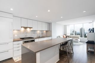 """Photo 9: 2705 5883 BARKER Avenue in Burnaby: Metrotown Condo for sale in """"ALDYNE ON THE PARK"""" (Burnaby South)  : MLS®# R2453440"""